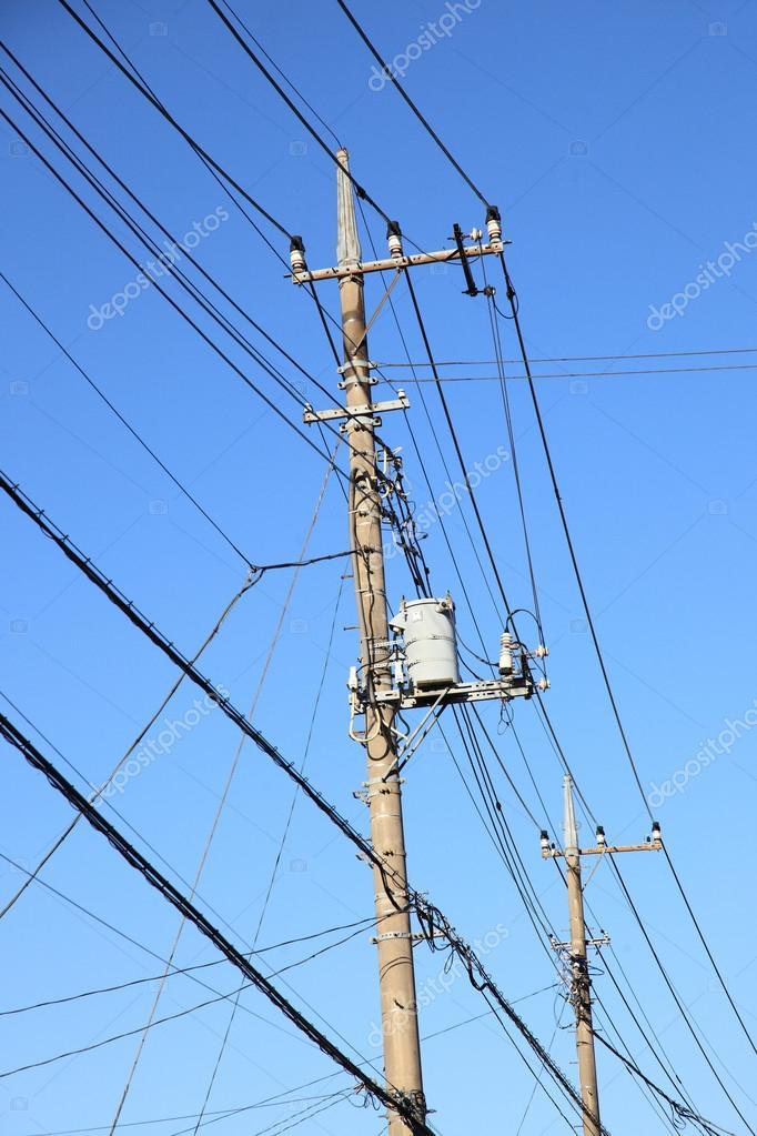 Telefonmast und Drähte — Stockfoto © tawintaew #33062093