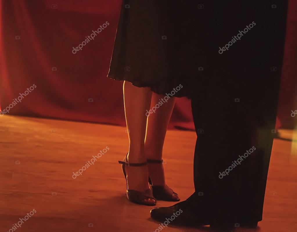 Tango pair dancers