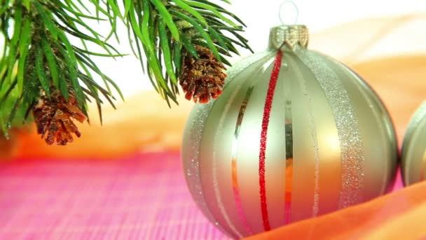 Ball Weihnachtsdekoration mit Baum