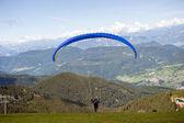 Padákové létání nad Italské Alpy