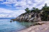písečná pláž v sithonia, chalkidiki, Řecko, pod zamračená obloha