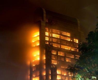15 12 2013 guangzhou Çin binasında yangın büyük yangın Haberler