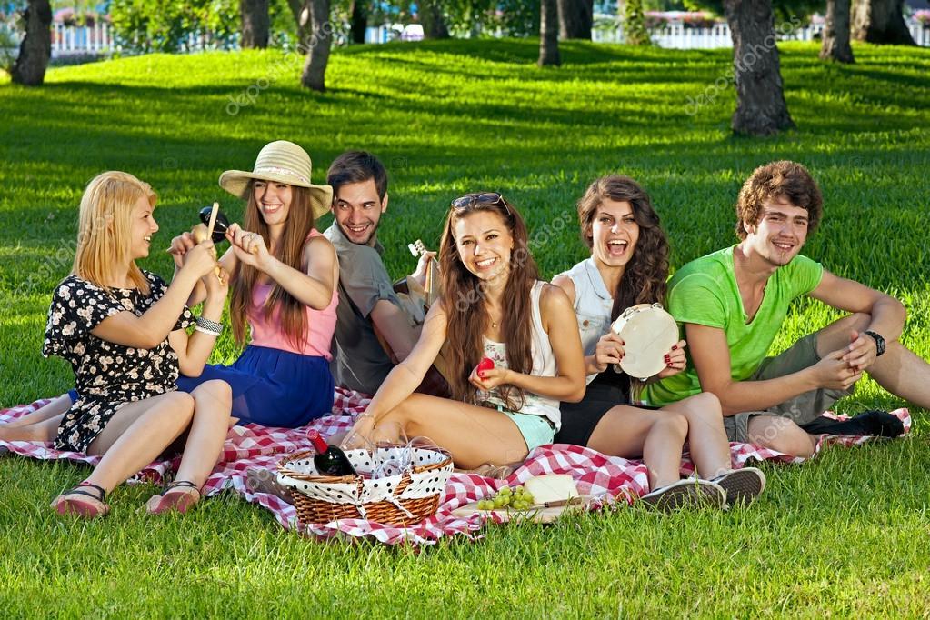 В лесу фото студенты 62165 фотография
