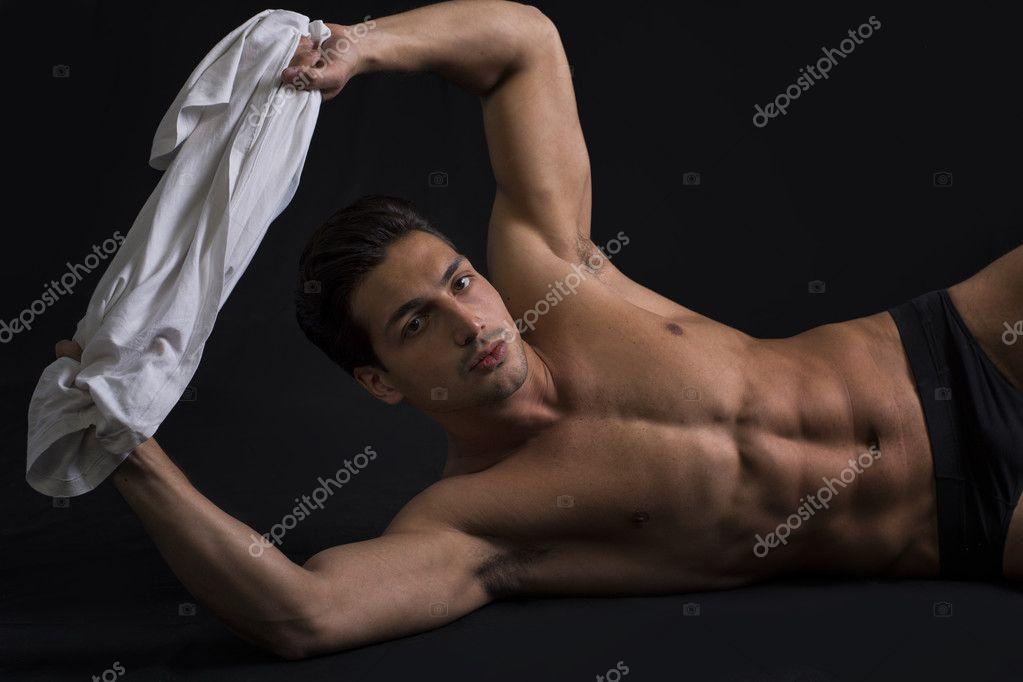 sportive-men-naked