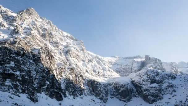 majestátní odlehlé divočině sněhu hory slunce krajina