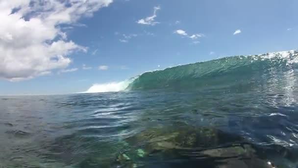 Üres Ocean Wave