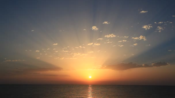 dokonalé východ slunce na moři