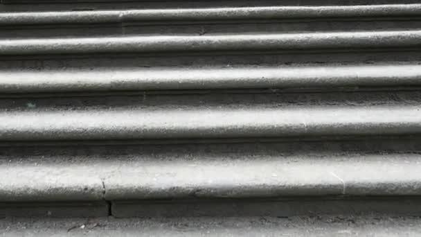 starých zámeckých schodů