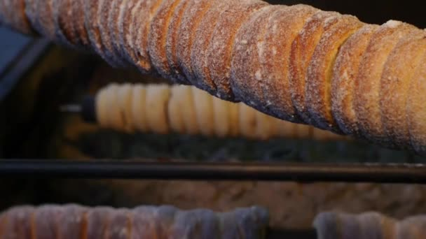 tradiční sladké těsto pečené na grilu, Česká vánoční trdelník n.03