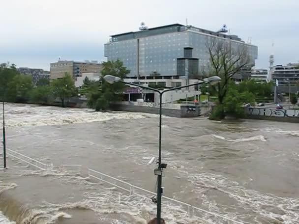 masivní déšť způsobil záplavy v Praze - Česká republika