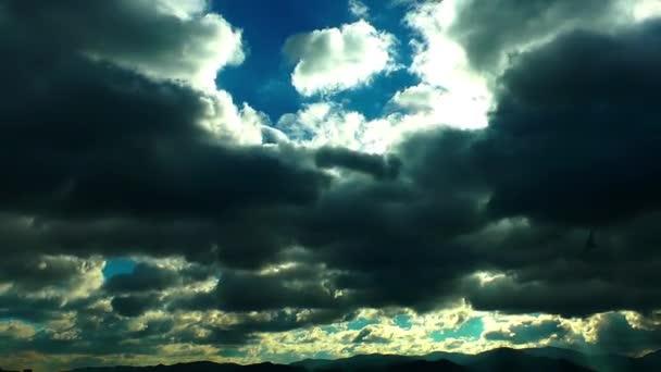 temné mraky časová prodleva