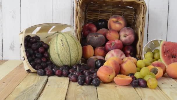 košík sezónní ovoce