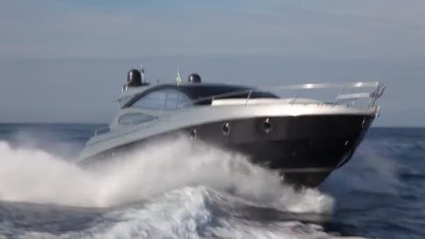 motorový člun, rio jachty nejlepší italské jachta