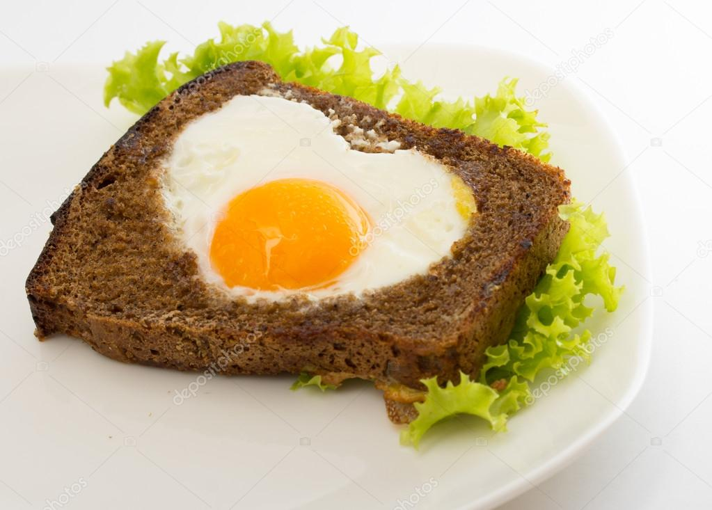 Sandwich with egg and salad