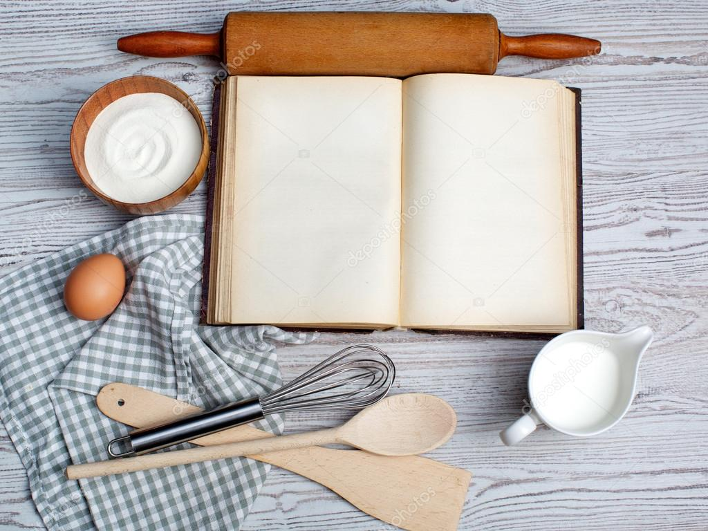 Concept de cuisson ingr dients et ustensiles de cuisine - Livre de cuisine vierge ...