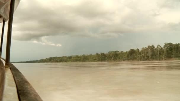 0198957a0861d0 gita in barca al fiume del amazon — Video Stock © w-chris #38996785