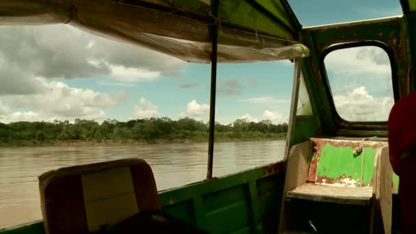 08ba43eb08eefe spedizione amazon River con motoscafo — Video Stock © w-chris #39001559