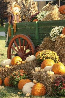 Antique Wagon Fall Pumpkin Display