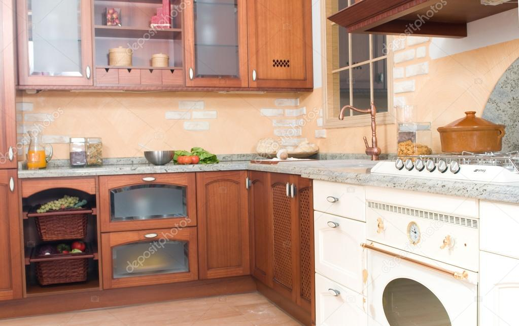 cocina de estilo rústico o país — Fotos de Stock © JoseTandem #31323527
