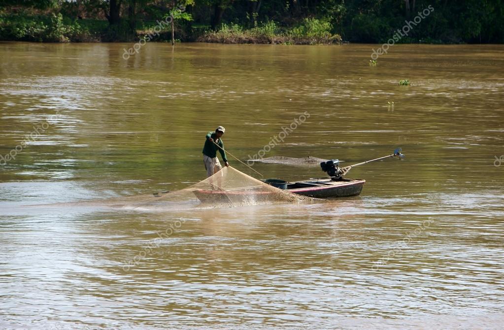 Grupa Rybaków Połowu Ryb Przez Net Na Rzece Zdjęcie