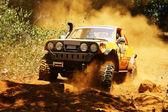 versenyző: terep verseny autó verseny