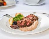 bistecca di carne di cervo