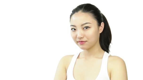atraktivní Asiatka s palec nahoru