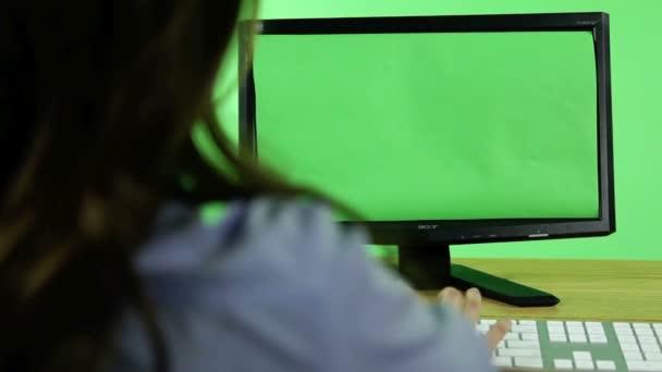 obchodní žena před počítačem