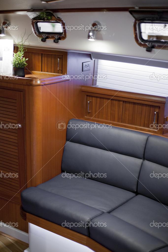 interieur van een speedboot — Stockfoto © Bruno135 #47645141