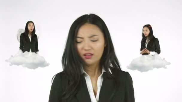 asijské podnikatelka myšlení mezi dobrou a špatnou