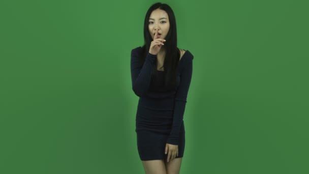 asiatische Mädchen Kleid mit Geheimnis