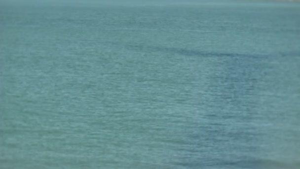 Turbine Windmühle Schatten drehen im Meer bedeckt