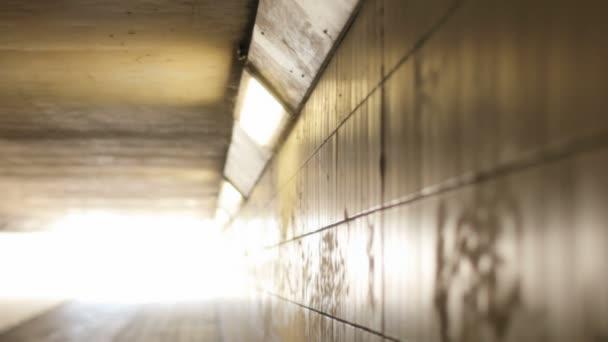 světla přední světlo na konci tunelu