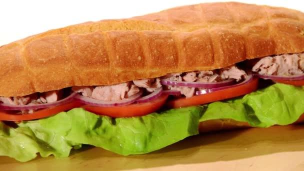 tonhal szendvics