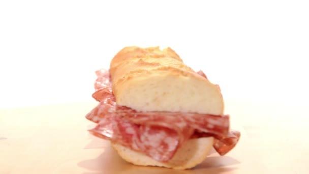 salám sendviče