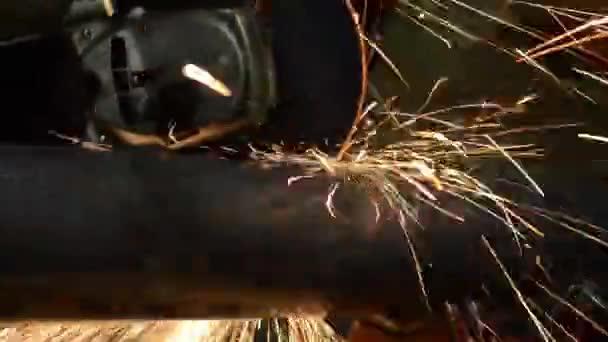 Řezání kovů
