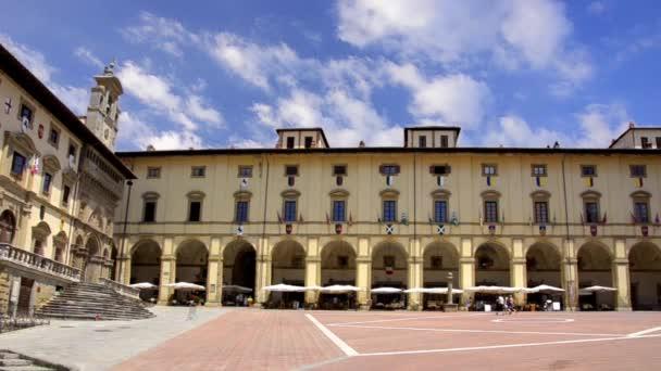 Toskánsko, arezzo, náměstí piazza grande