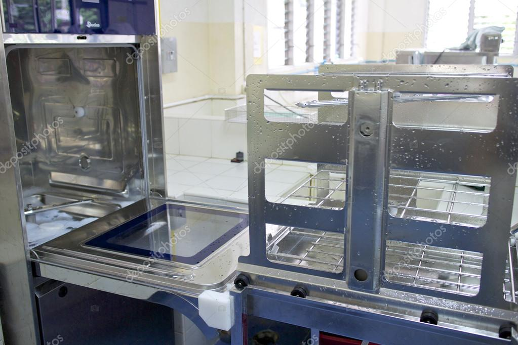 Hospital washing machines for medical instruments