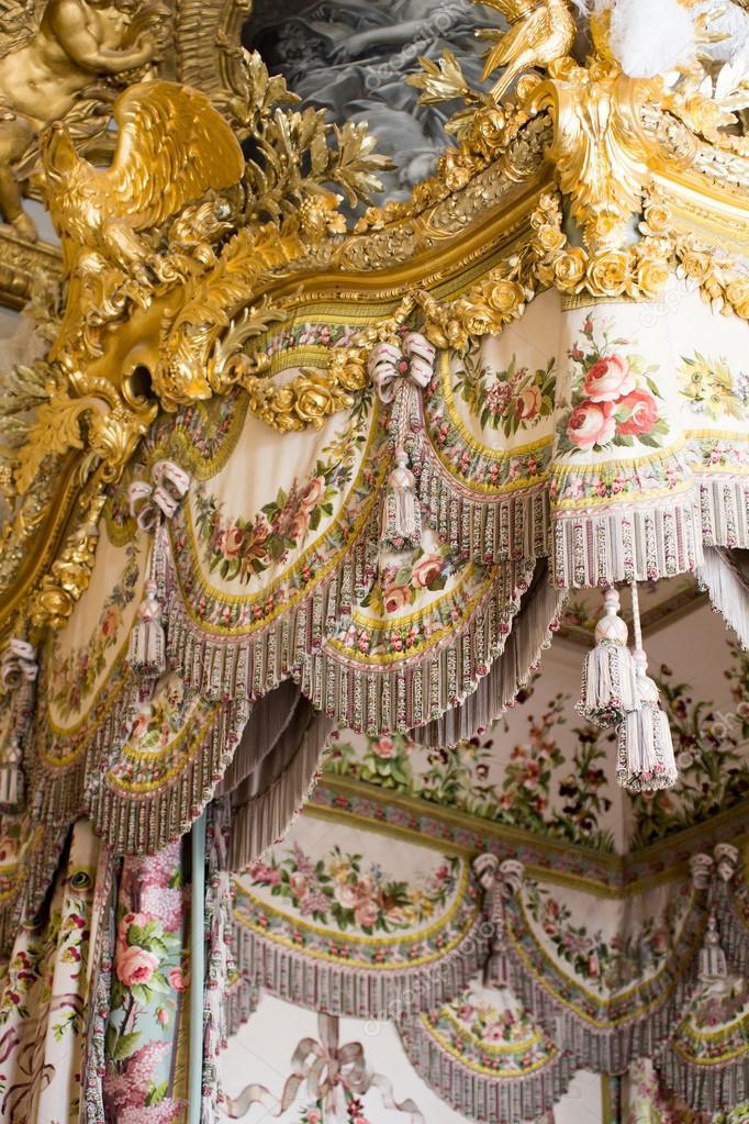 GroBartig Queen Schlafzimmer Und Elemente Der Dekoration U2014 Stockfoto
