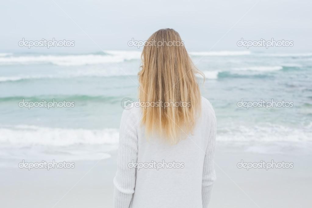 pizda-fotografii-s-blondinkami-vid-so-spini-planom