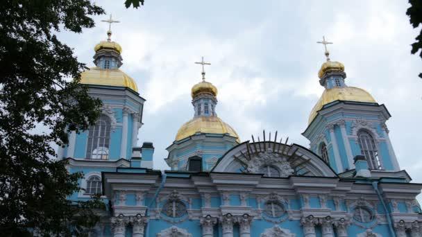 St. Nikolaus-Kathedrale. St. petersburg. Russland. Zeitraffer