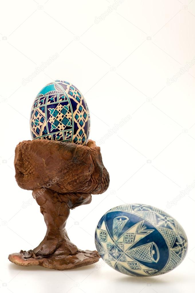 Uova Di Ceramica Dipinte A Mano.Colorate Dipinte A Mano Le Uova Di Pasqua E Tazza In Ceramica Uovo