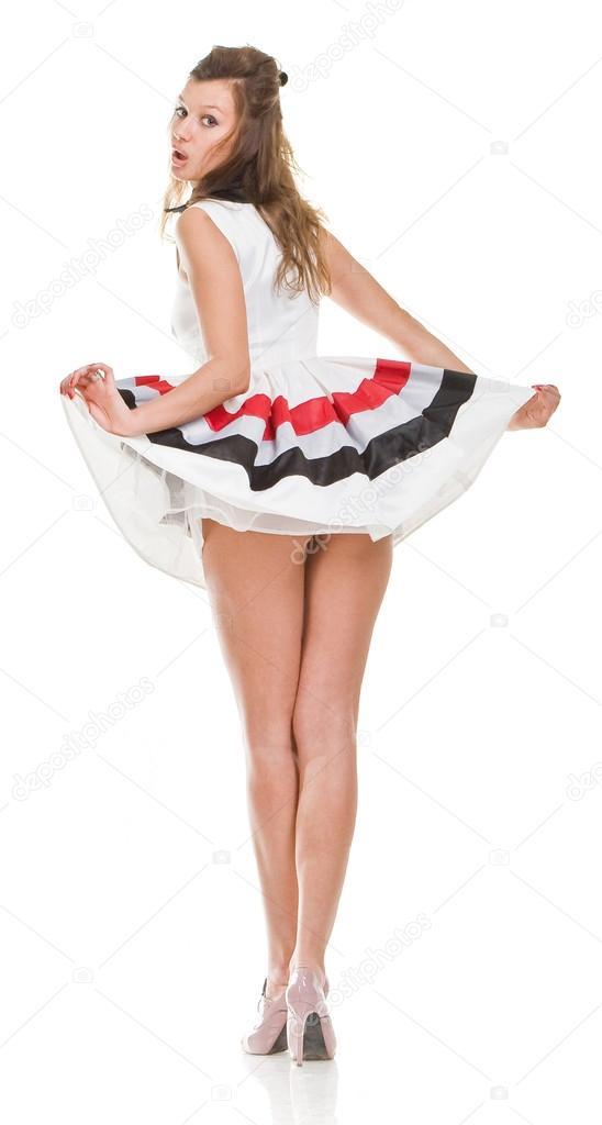 Сексуальная девушка в коротком платье