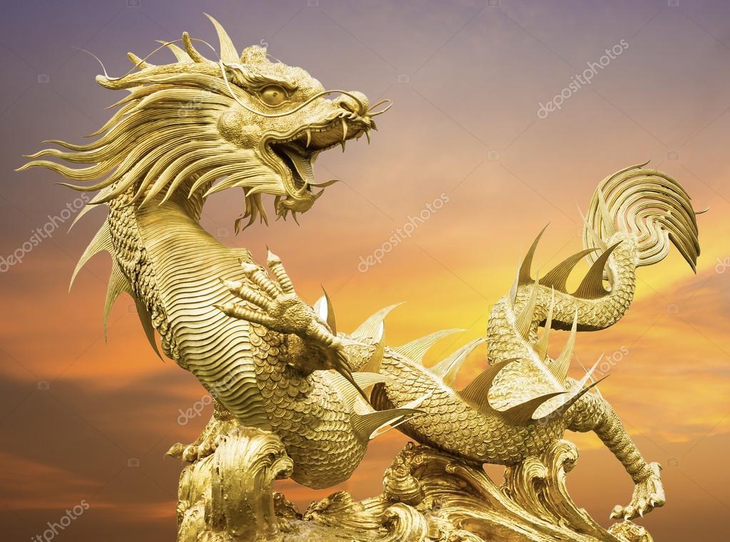 Dragon chinois dor g ant photographie tipchai 44565907 - Photo de dragon chinois ...