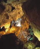 stalagmity a stalaktity