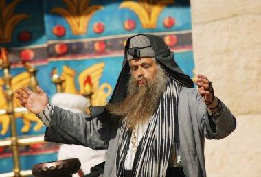 Rabbi Worshipping