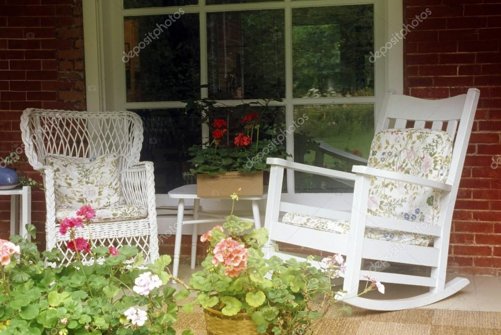 Astonishing Images Country Porch Rocking Chairs On Country Porch Inzonedesignstudio Interior Chair Design Inzonedesignstudiocom