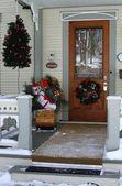 dveře s vánoční ozdoby
