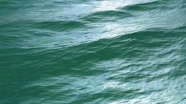 Přelet nad zelené moře či oceánu povrchu