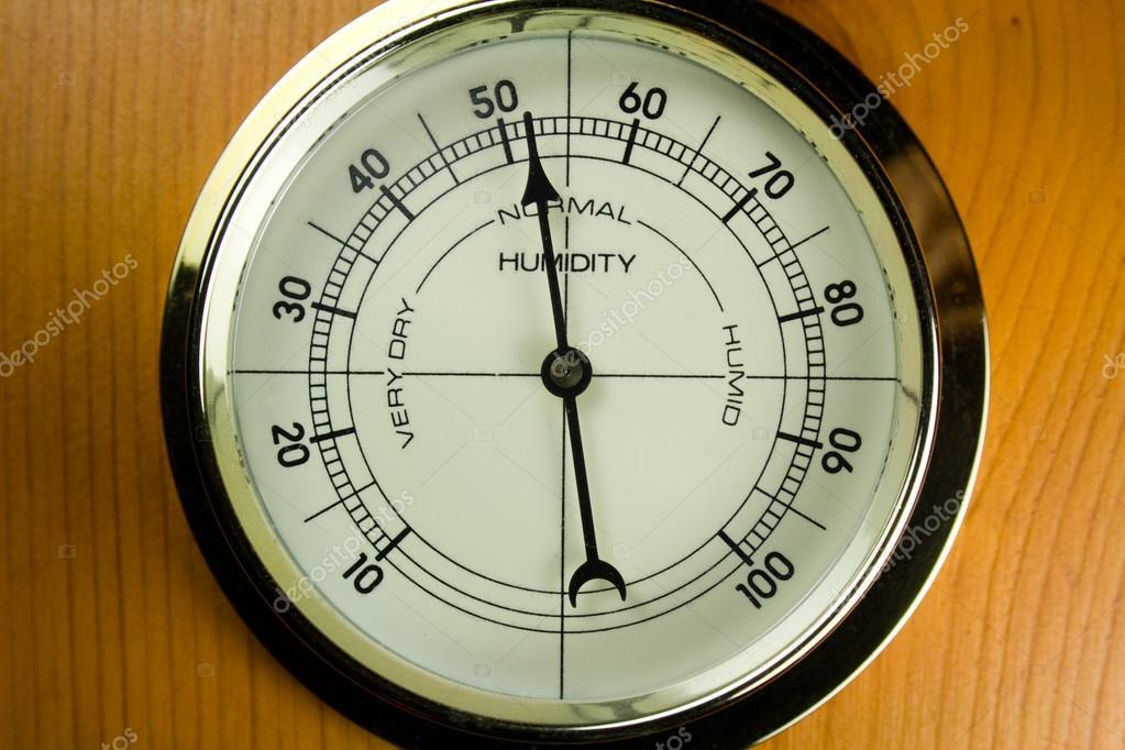 Igrometro - misuratore di umidità dell'aria — Foto Stock © Fireflyphoto #32106375